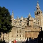 La Cathédrale de Séville et sa Giralda, dernier vestige de la Grande Mosquée