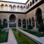 Cour des demoiselles du Palais Alcazar Seville Espagne