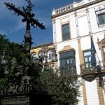 La croix de la place Santa Cruz